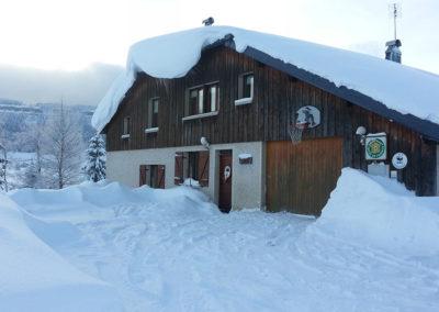 facade maison hiver